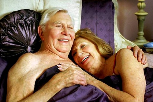 Older peo ple having sex